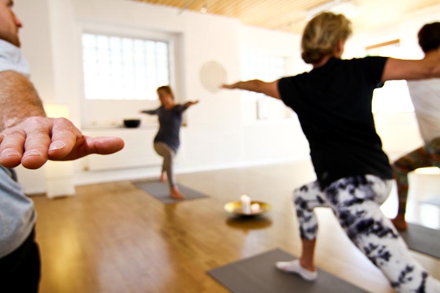 Raum-im-Hinterdorf-Engelberg-Switzerland-Yoga-Massage-Cantienica-HATHA-YOGA