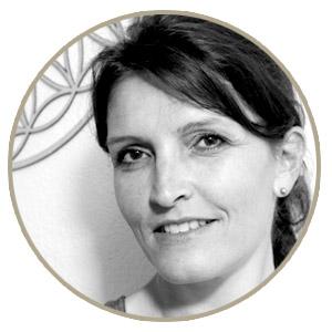 Raum-im-Hinterdorf-Engelberg-Switzerland-Yoga-Massage-Cantienica-Ueber-uns-Sabine